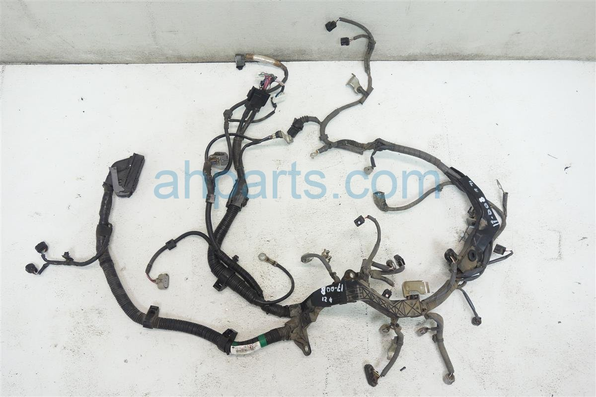 DSC01032 buy $435 2012 toyota sienna 2 7l engine wire harness 82121 08120 2016 Toyota Sienna at eliteediting.co