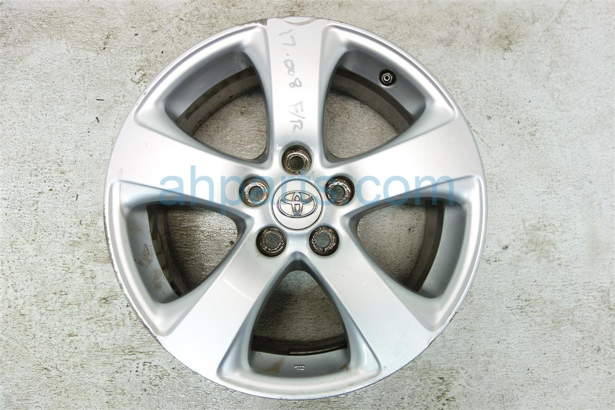 2012 Toyota Sienna Front passenger WHEEL RIM HAS LIGHT CURB RASH 42611 08070 4261108070 Replacement
