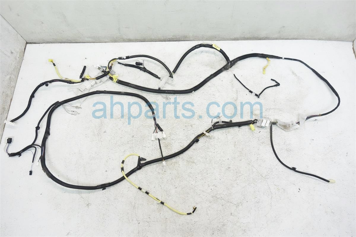 2012 Toyota Sienna Floor Body Wiring Harness 82161 08512 Wire Replacement