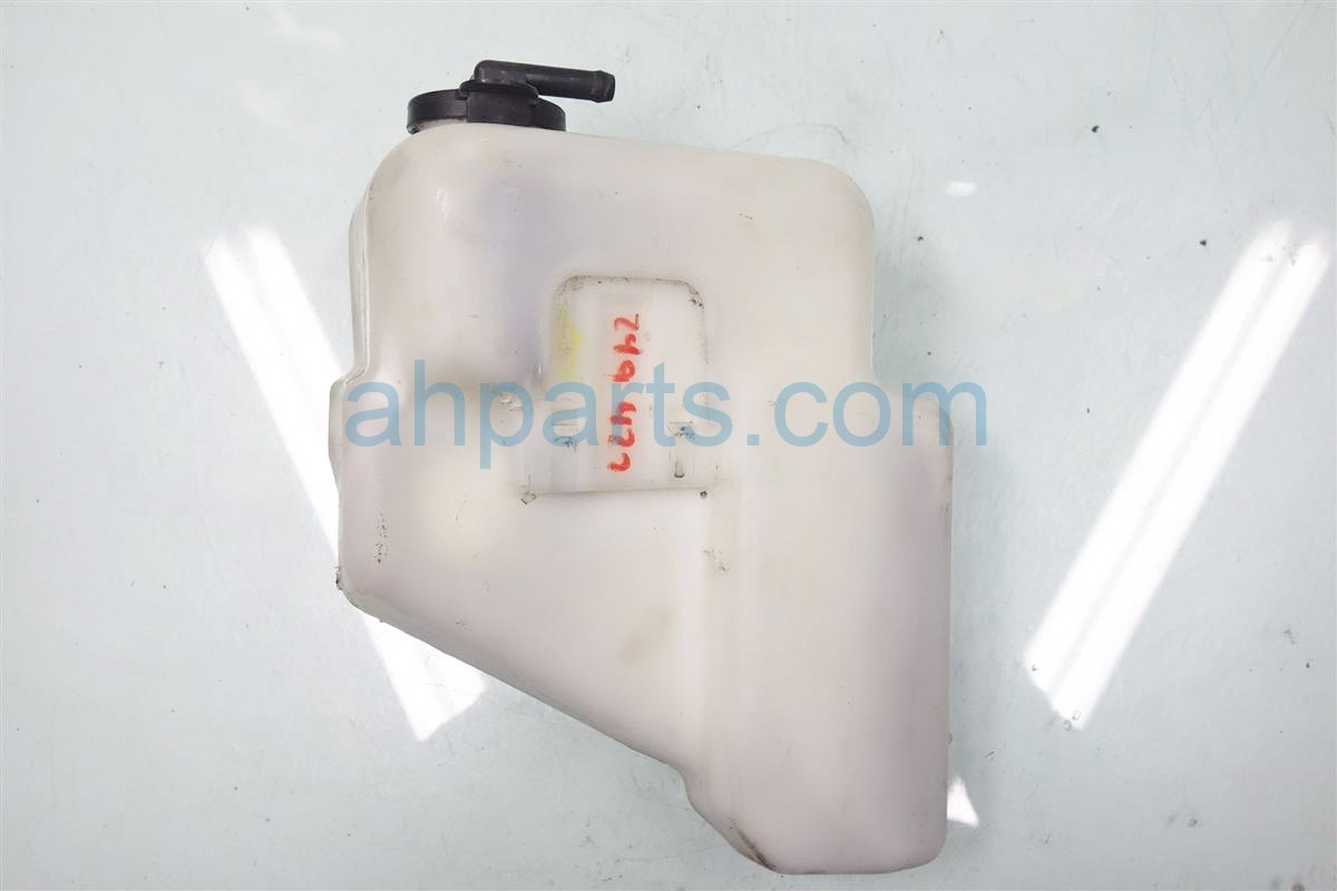 2010 Toyota Camry RADIATOR BOTTLE 16470 0P020 164700P020 Replacement