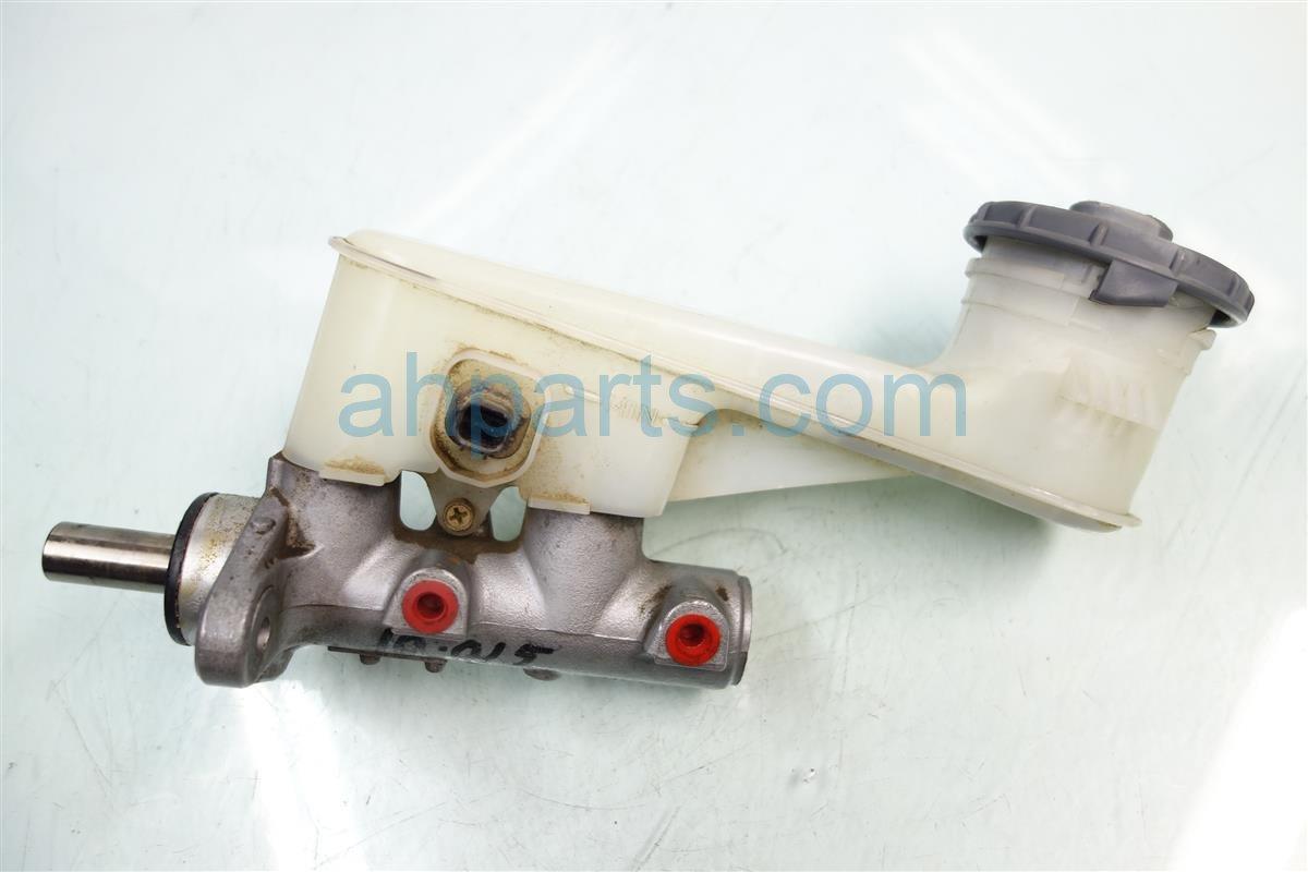 2004 Honda Element BRAKE MASTER CYLINDER 46100 SCV A51 46100SCVA51 Replacement