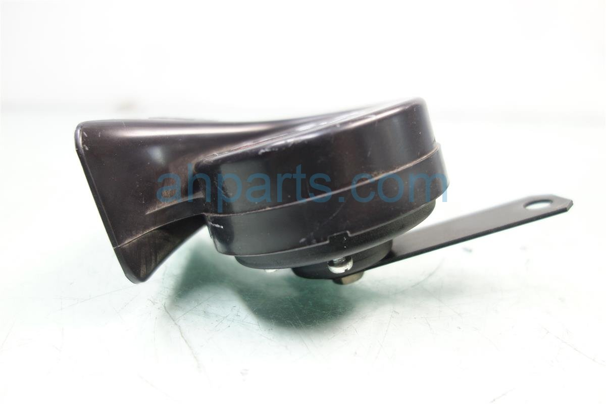 2016 Toyota Camry HIGH HORN 86510 AA010 86510AA010 Replacement