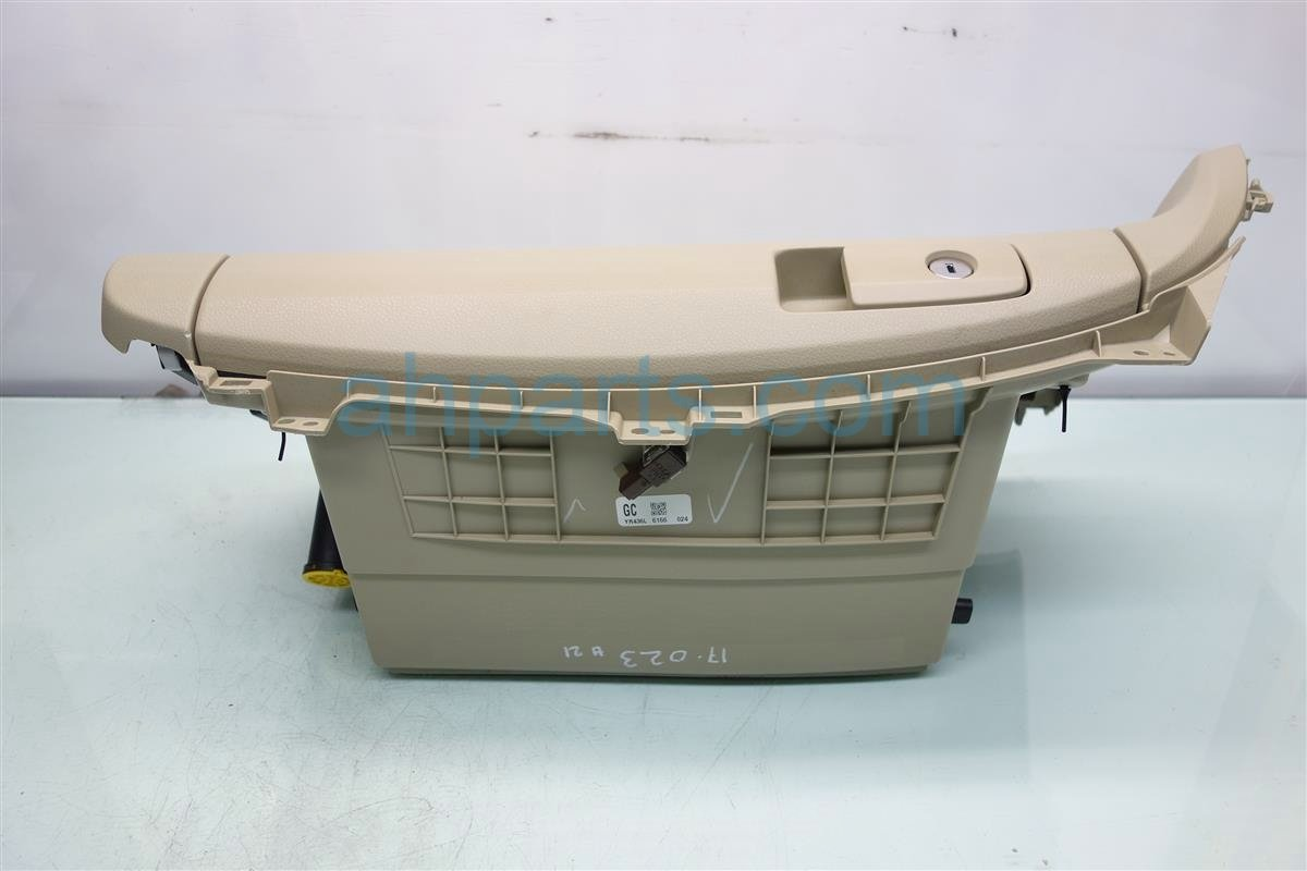 2017 Acura ILX GLOVE COMPARTMENT BOX TAN SCRATCHES 77510 TX6 A14ZA 77510TX6A14ZA Replacement