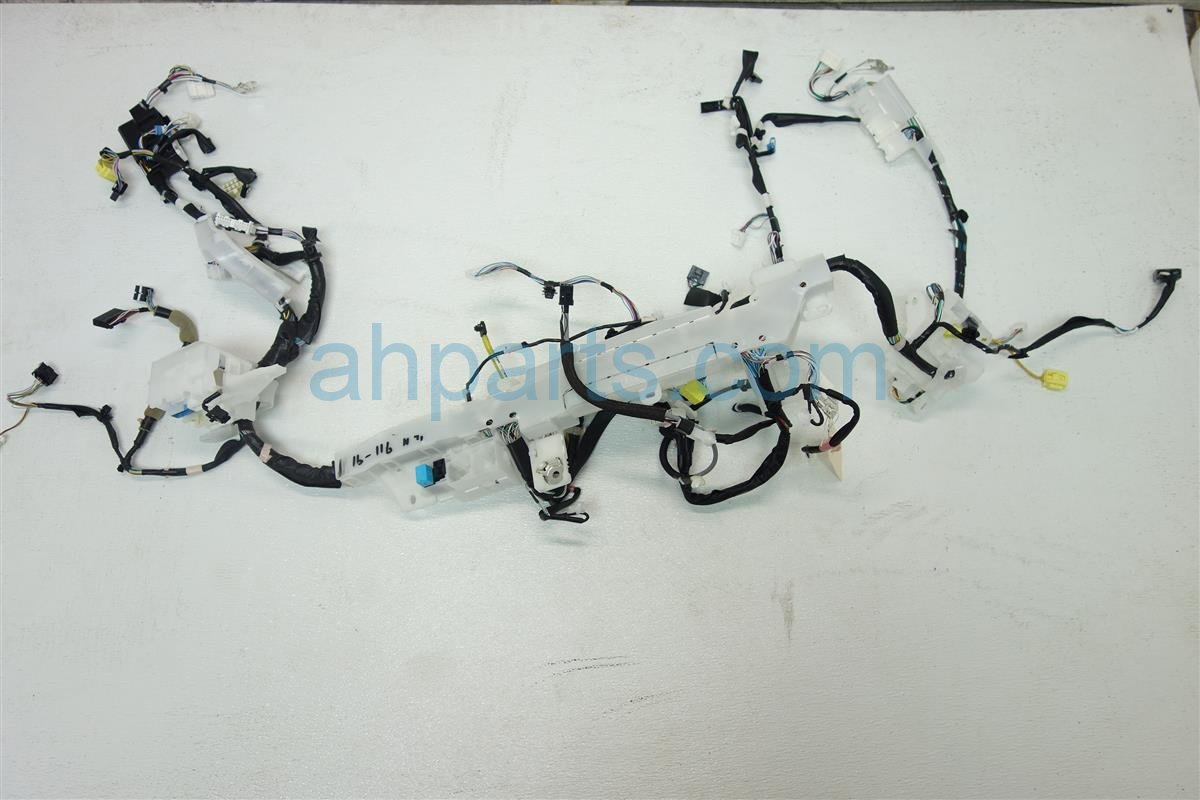 2015 Toyota Corolla INSTRUMENT PANEL WIRE HARNESS 82117 0Z250 821170Z250 Replacement