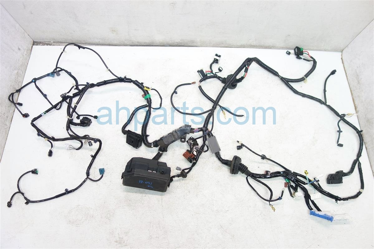 2016 Honda CR V HEADLIGHT ENGINE BAY WIRING HARNESS 32200 T1X A00 32200T1XA00 Replacement