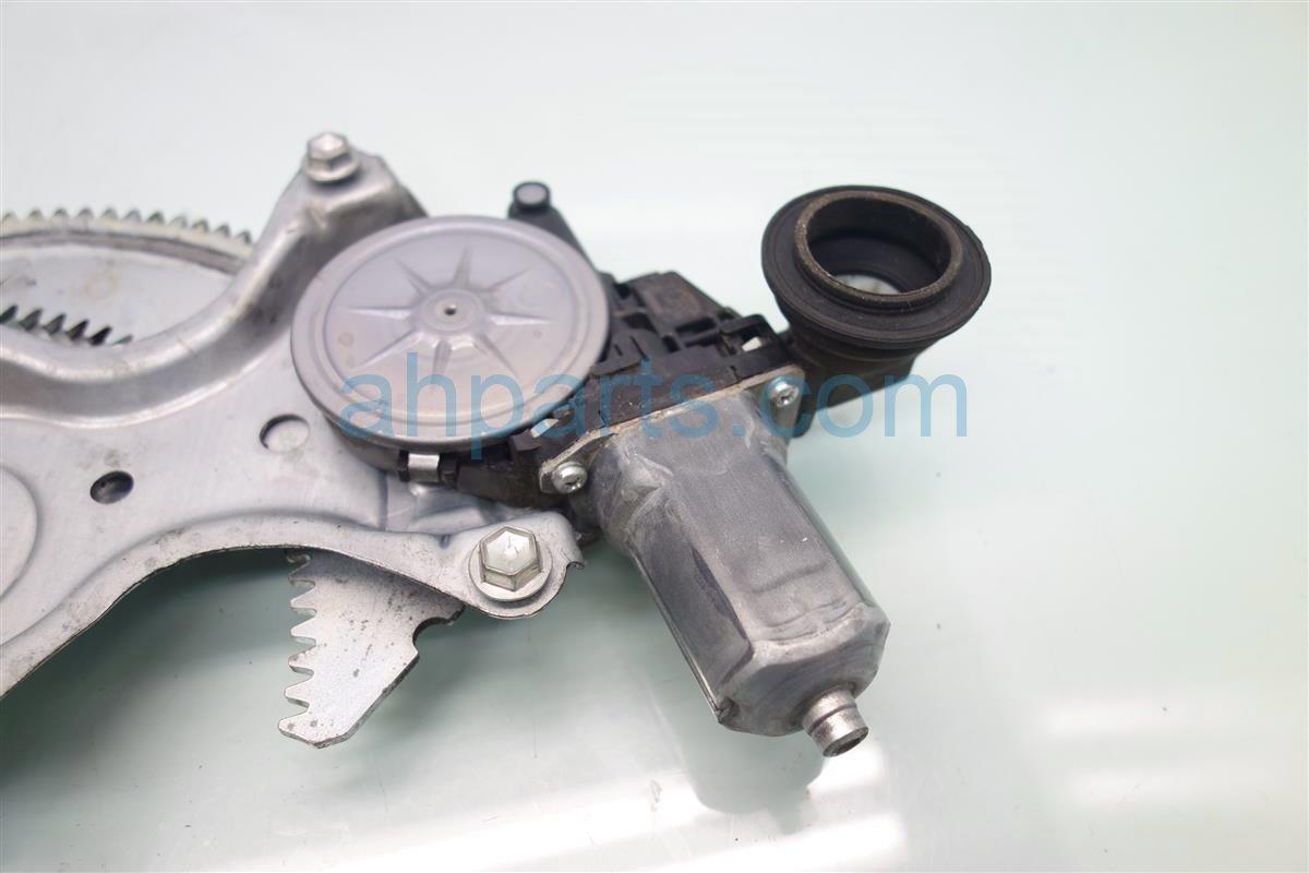 2015 Toyota Corolla Front Regulator FR R WINDOW REG POWER 69801 02300 6980102300 Replacement