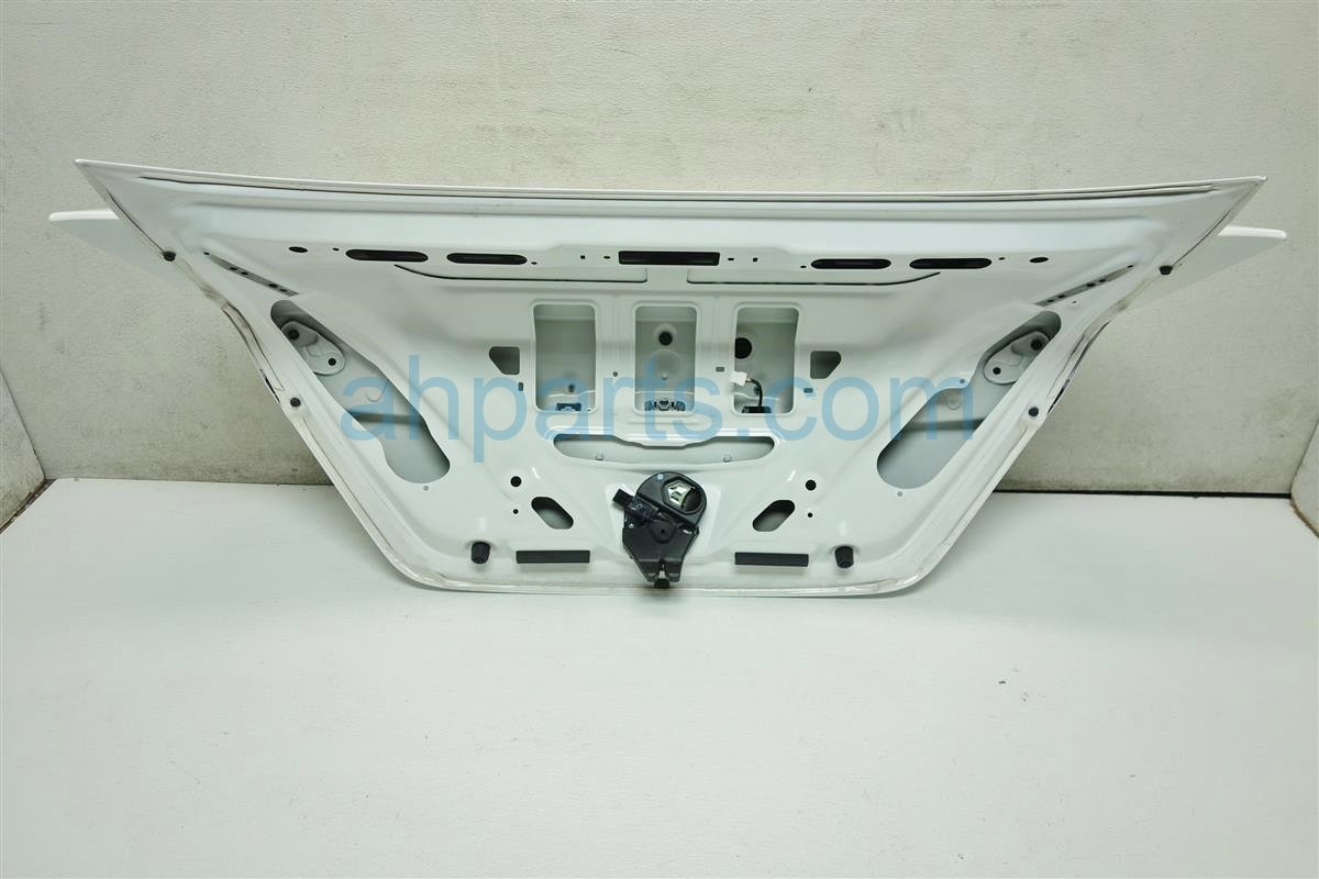 2015 Honda Civic DECK LID REAR TRUNK MISSING EMBLEM 68500 TS9 A30ZZ 68500TS9A30ZZ Replacement