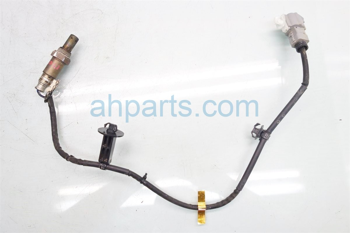 2015 Toyota Highlander INTERMEDIATE PIPE OXYGEN SENSOR 89465 0E130 894650E130 Replacement