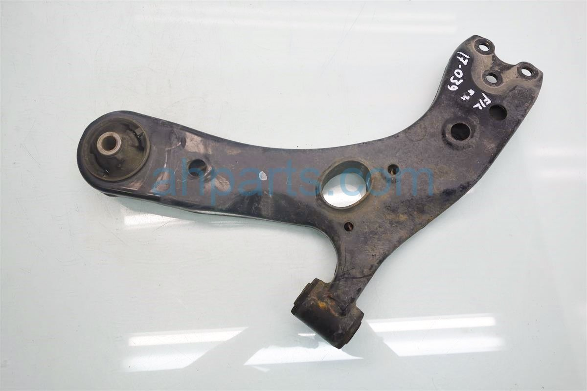 2010 Toyota Prius Front driver LOWER CONTROL ARM Replacement