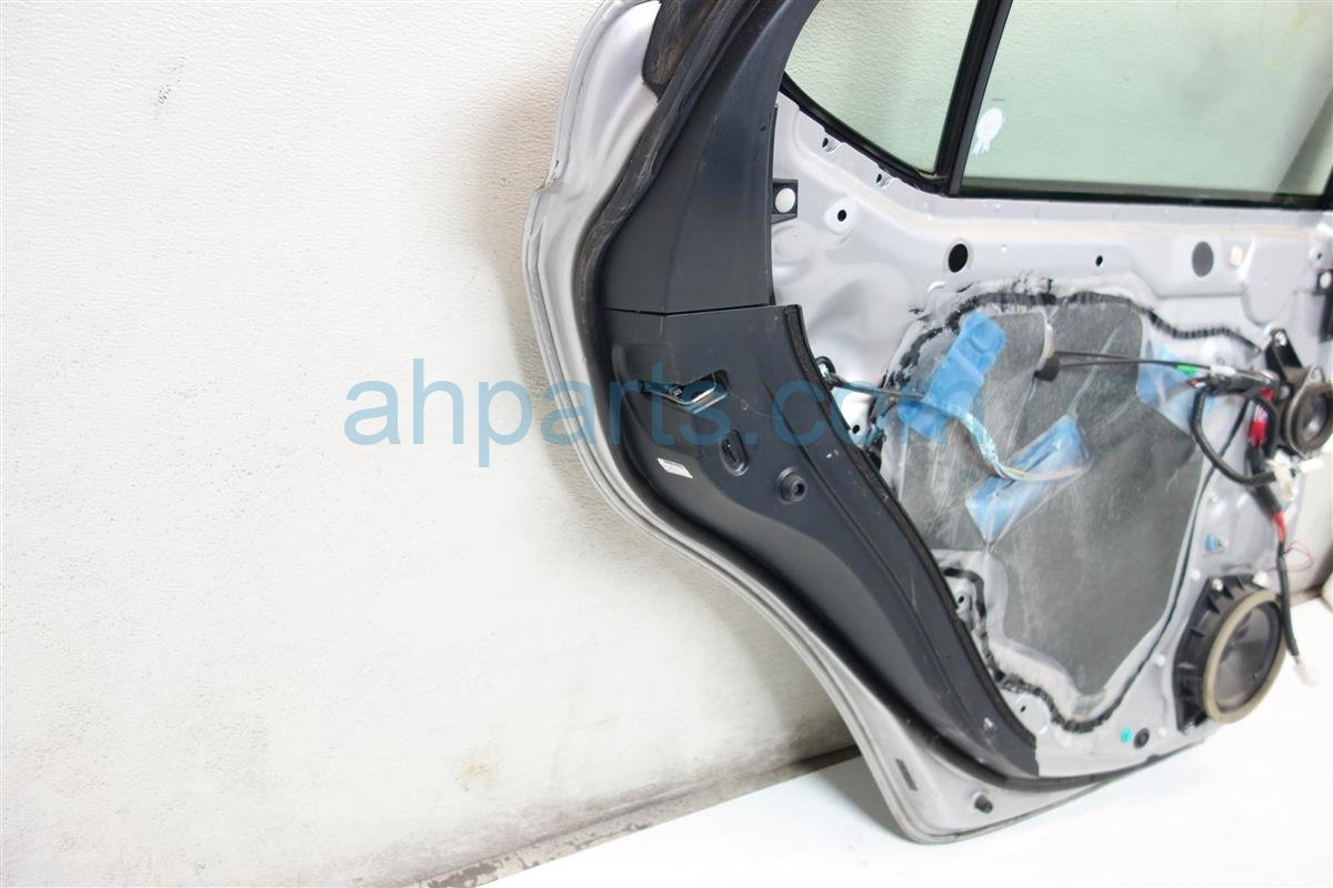 2007 Lexus Is 250 Rear driver DOOR SILVER HAS 3 SMALL DINGS 67004 53061 6700453061 Replacement