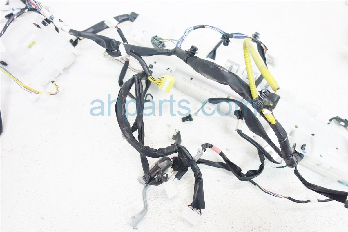 2016 Toyota Corolla INSTRUMENT DASH WIRING HARNESS 82117 0Z251 821170Z251 Replacement