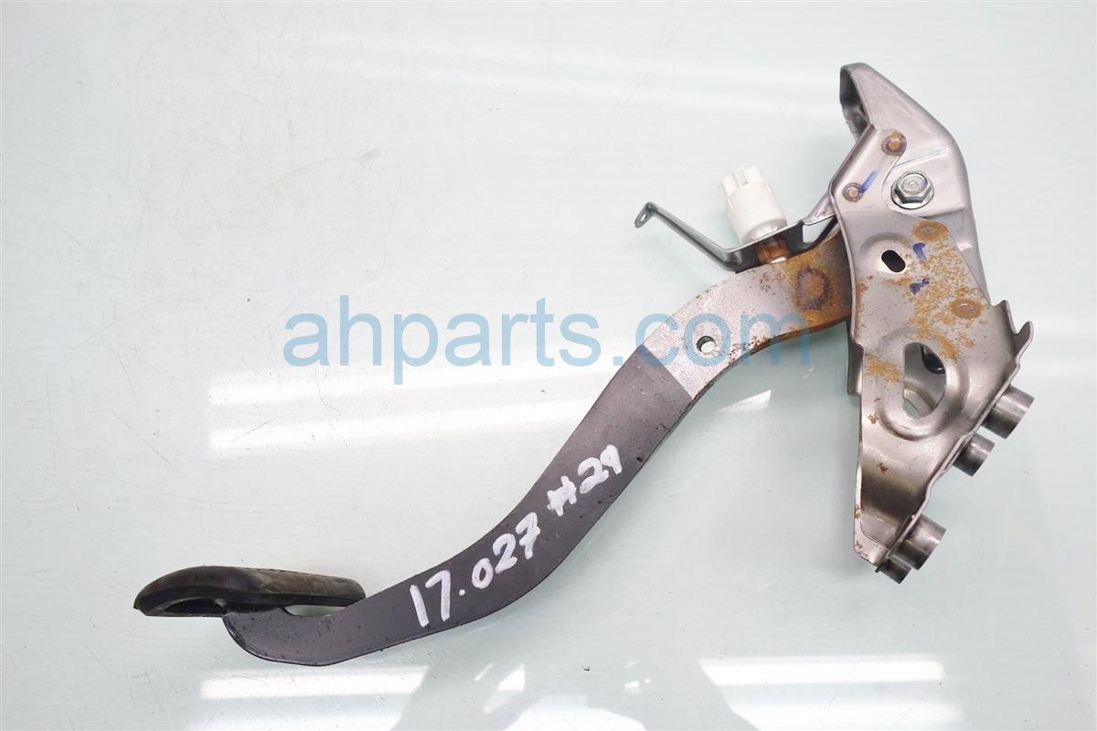 2016 Toyota Corolla BRAKE PEDAL Replacement