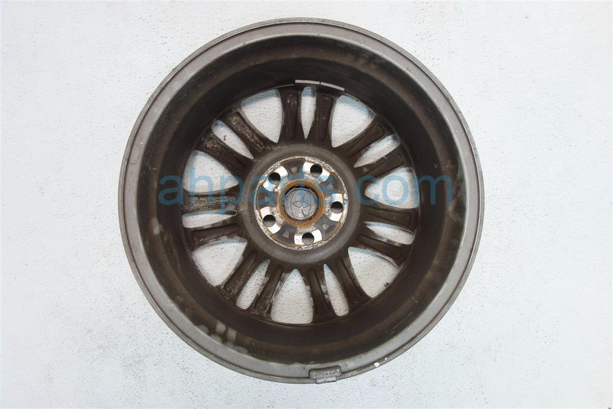 2014 Toyota Sienna Rear passenger WHEEL RIM Replacement