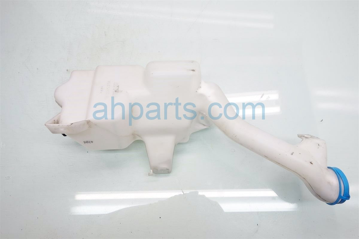 2014 Honda Accord WASHER BOTTLE TANK HAS A DING 76841 T2A 305 76841T2A305 Replacement