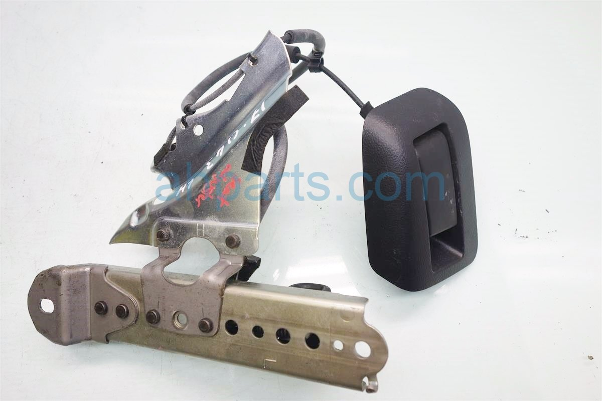 2010 Toyota 4 Runner Inside Interior door handle Rear driver SEAT LOCK AND ADJUSTER Replacement