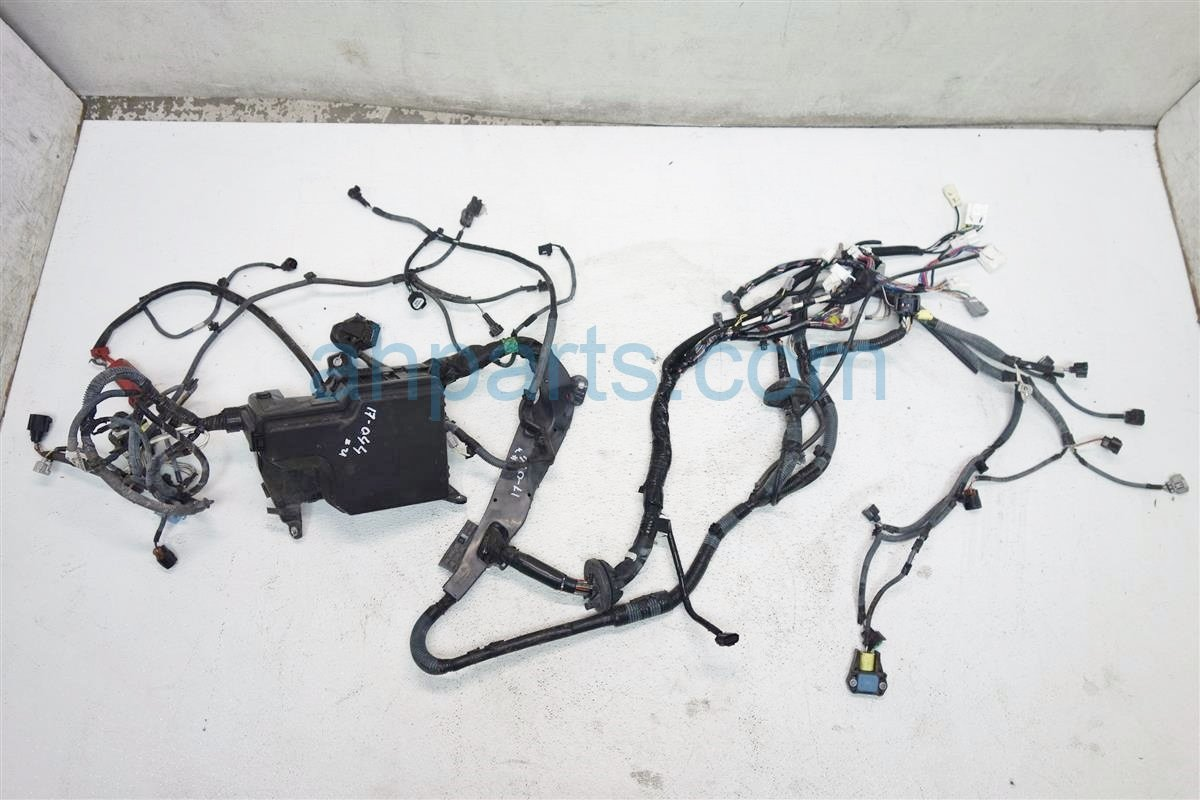 2014 Toyota Sienna HEADLIGHT ENGINE ROOM HARNESS WIRE 82111 08A01 82111 08A00 8211108A018211108A00 Replacement