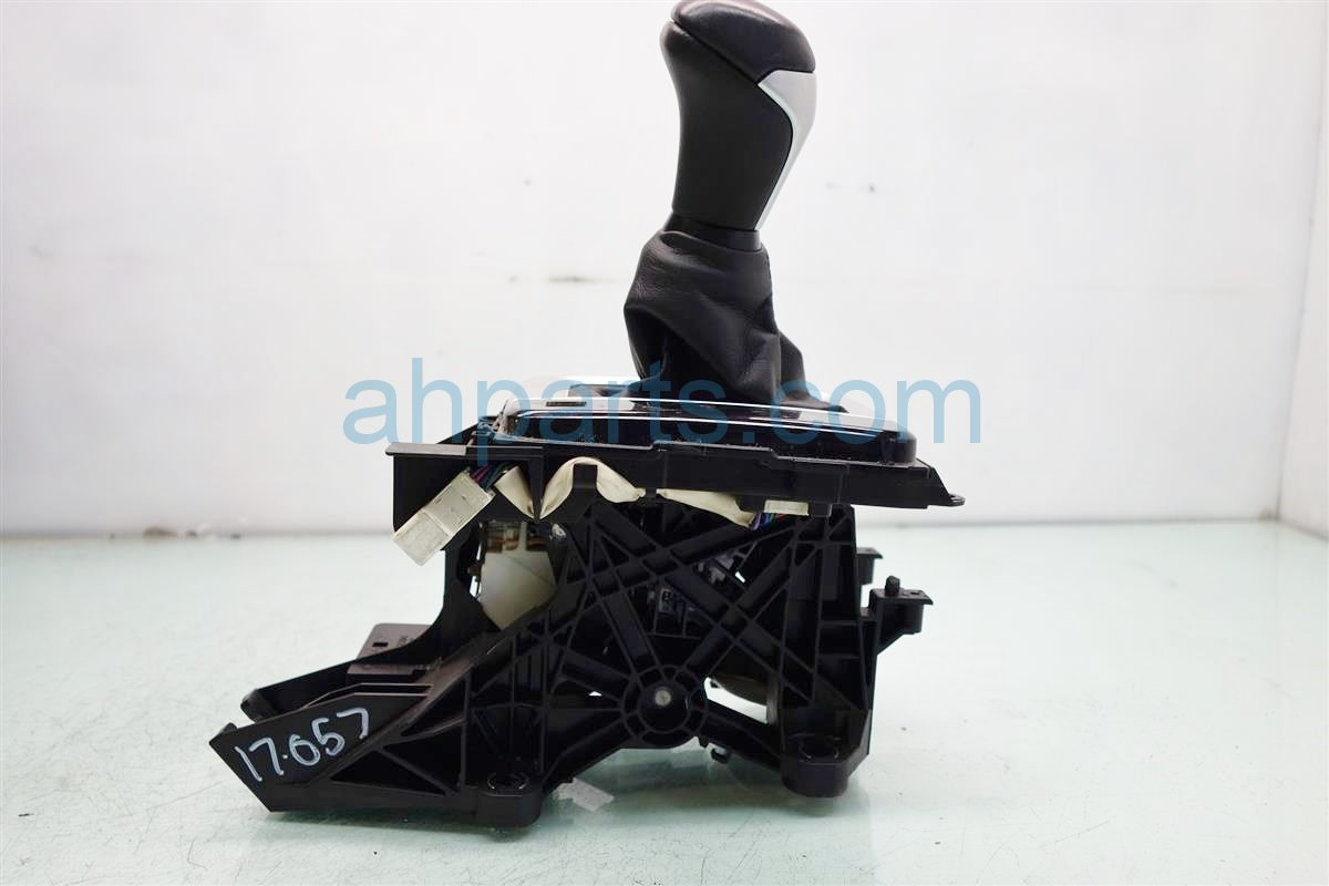 2014 Toyota Highlander FLOOR SHIFTER GEAR SELECT LEVER 33504 0E130 C1 335040E130C1 Replacement