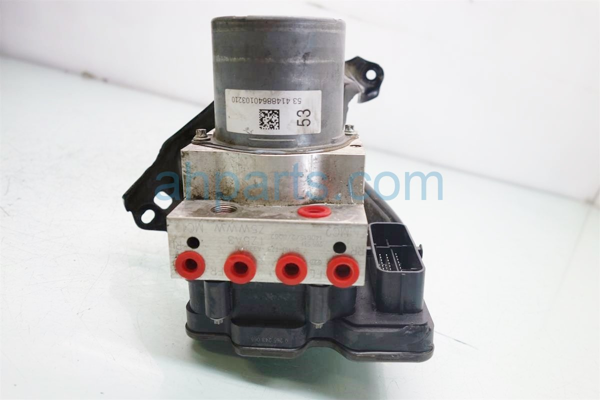 2015 Acura MDX anti lock brake ABS VSA PUMP MODULATOR 57111 TZ5 A33 57111TZ5A33 Replacement