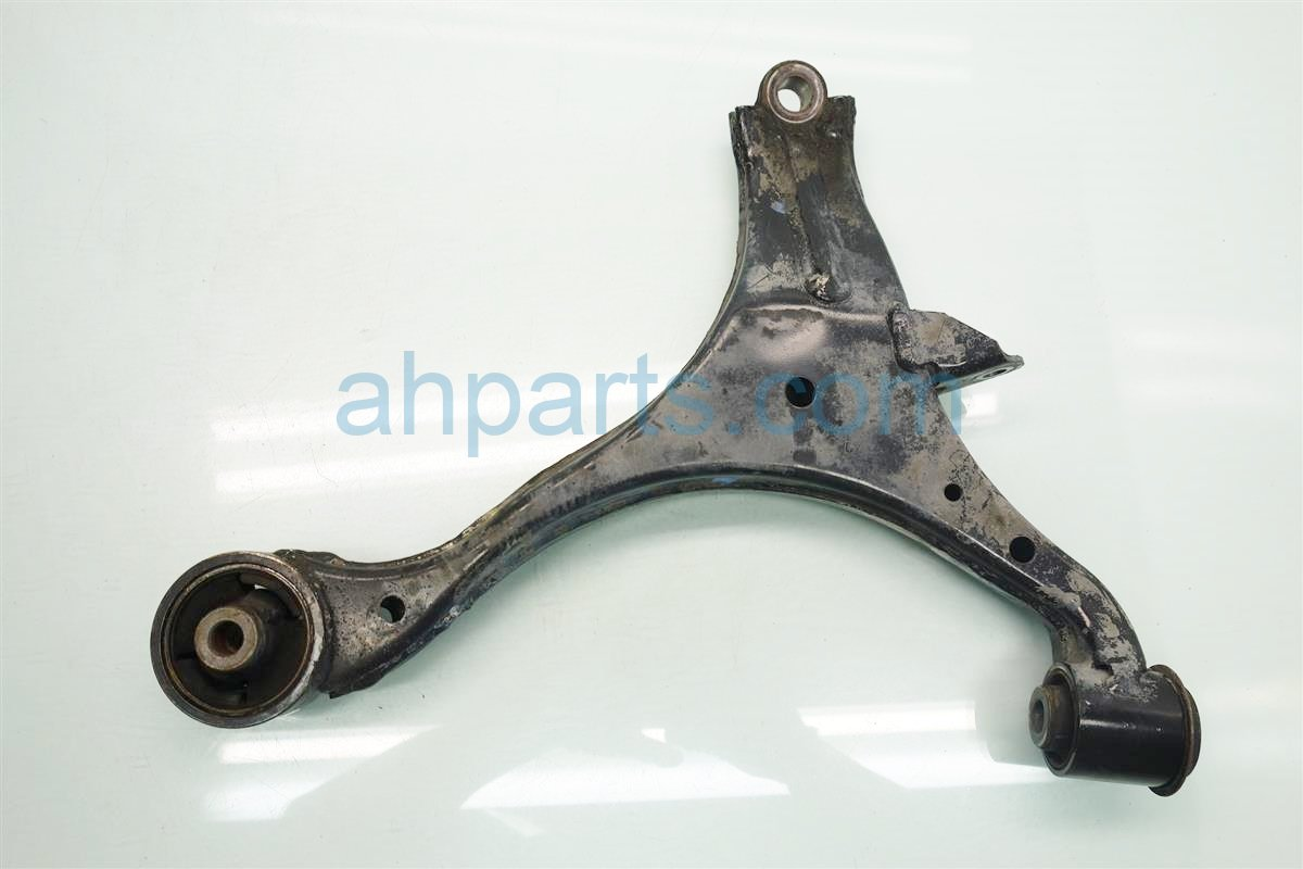 2003 Honda Civic Front passenger LOWER CONTROL ARM 51350 S5A A20 RUBBER 51350S5AA20RUBBER Replacement