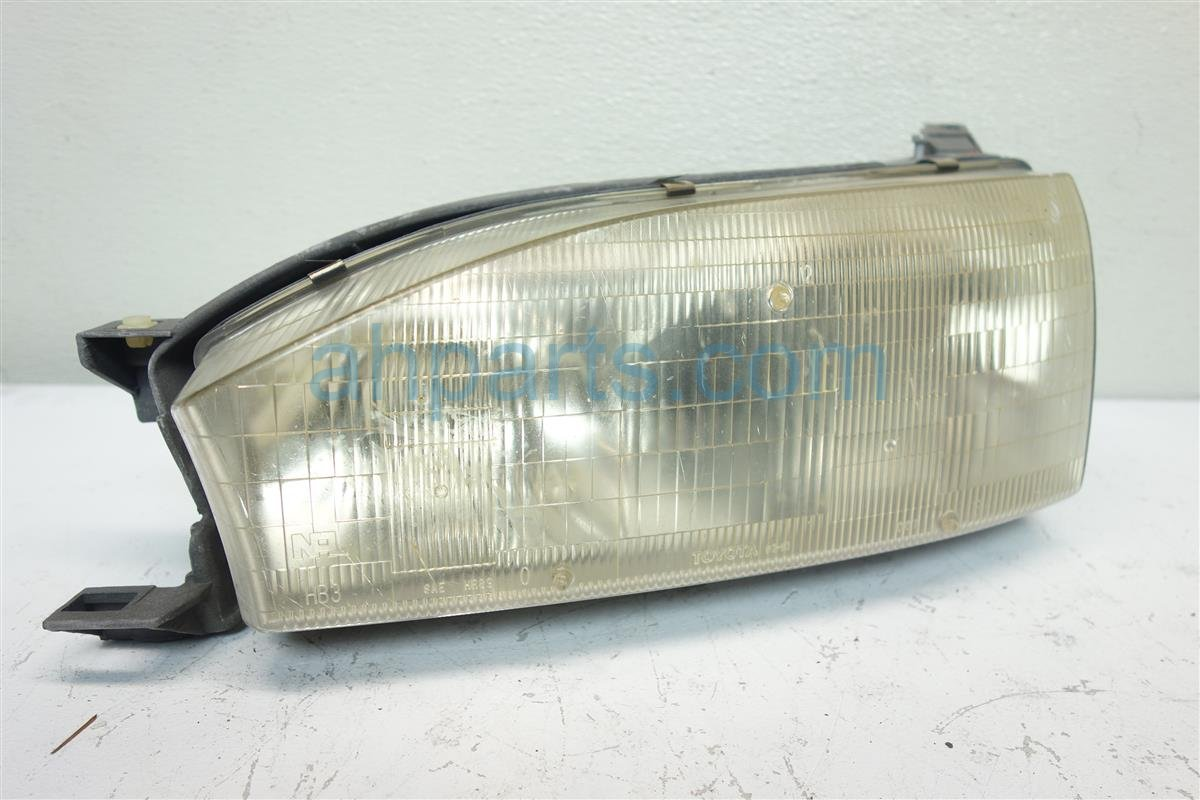 1993 Toyota Camry Headlight Driver HEADLAMP OEM USED 81150 06011 8115006011 Replacement