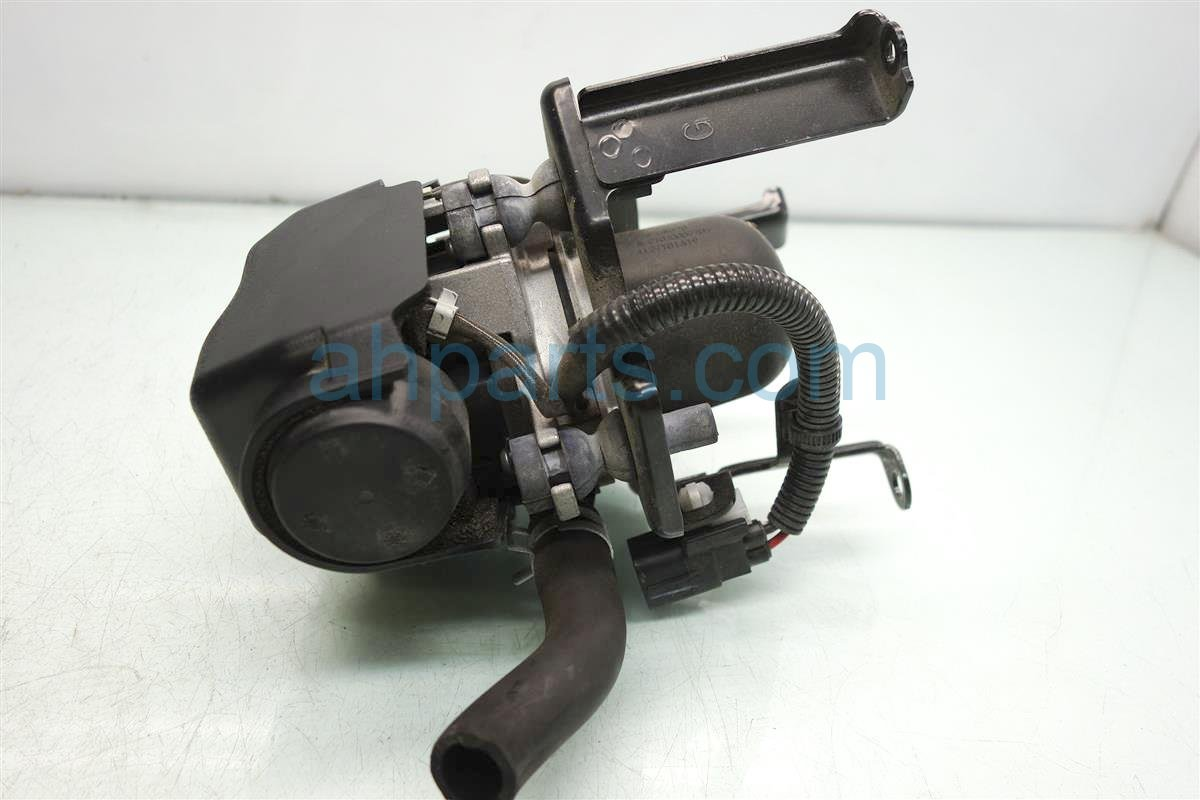 2014 Toyota Tacoma Air Pump Assembly 17600 0P040 Replacement