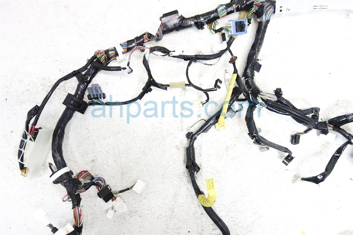 2014 toyota tacoma instrument wiring harness 82141 04n11. Black Bedroom Furniture Sets. Home Design Ideas
