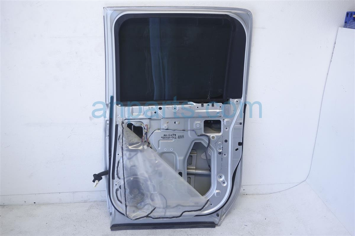 2004 Nissan Titan Rear passenger DOOR ASSEMBLY SILVER Replacement
