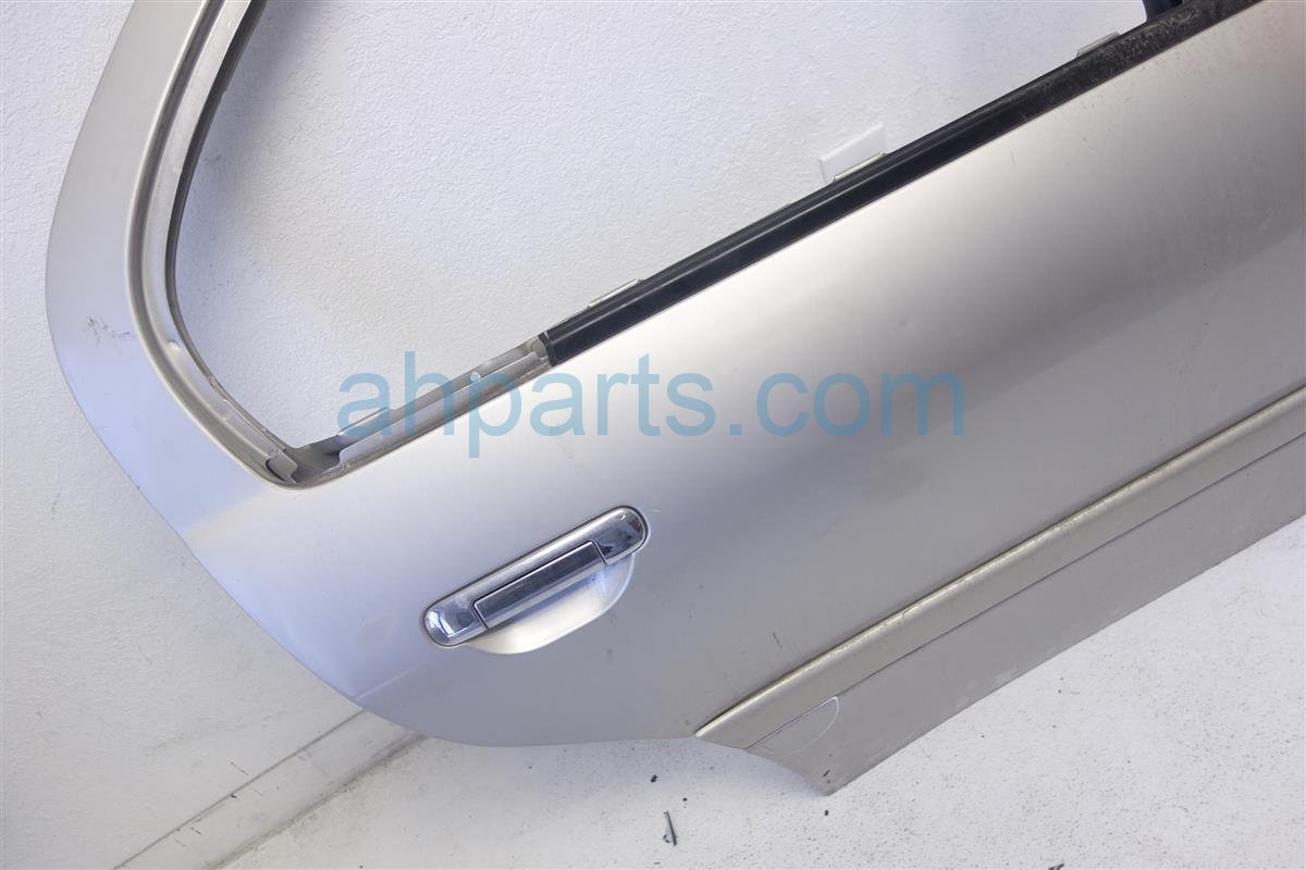 1995 Infiniti G20 Rear Passenger Door Assembly, Gold, Replacement