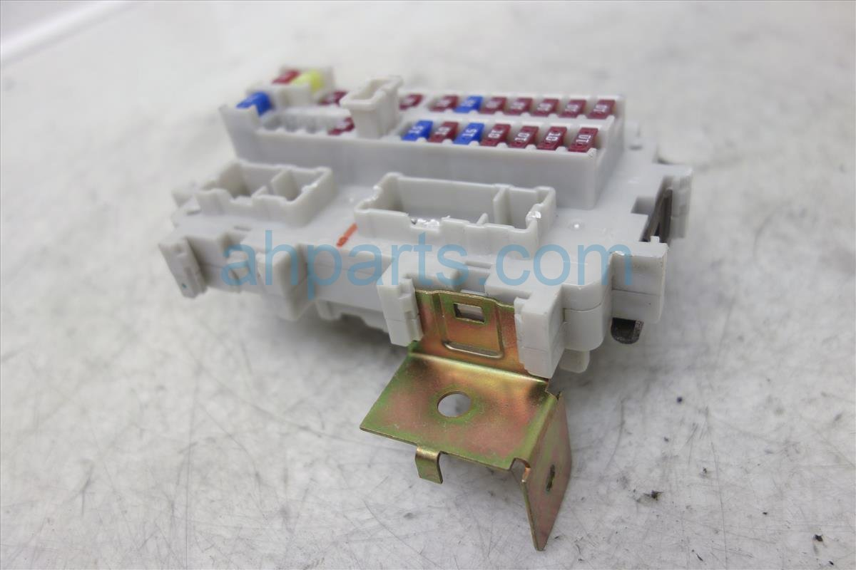 2006 Nissan Pathfinder Passenger Fuse Box Junction 24350 Ea00a On Replacement