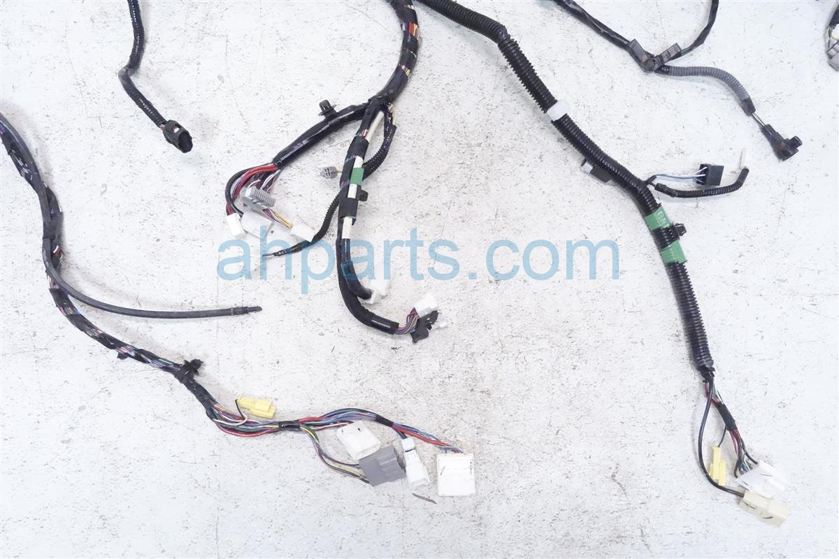 2013 Toyota Sienna Engine Room Wire Harness 82111 08861 Wiring Replacement