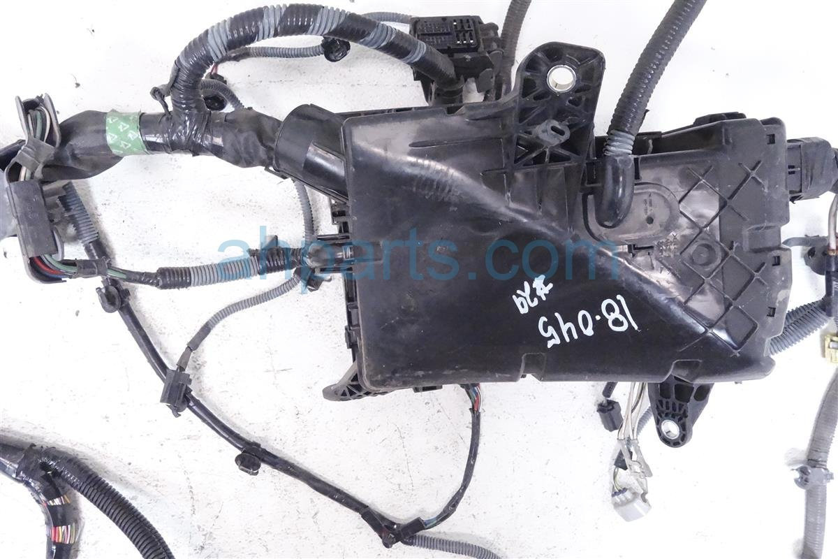 2013 Toyota Sienna Engine Room Wire Harness 82111 08861 Replacement