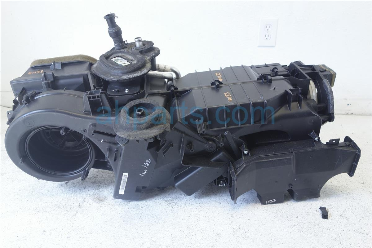 2005 Nissan Frontier HEATER CORE ASSEMBLY 27210 EA014 27210EA014 Replacement