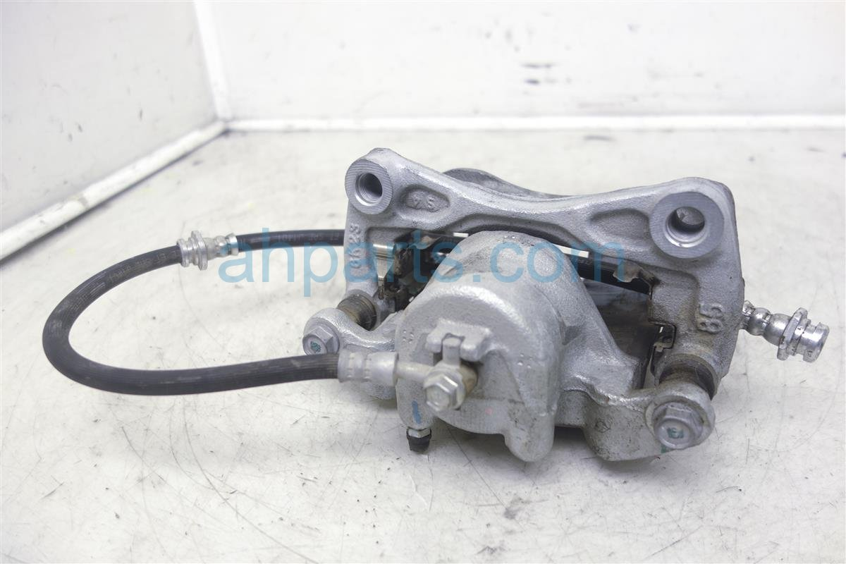 2017 Nissan Sentra Front Passenger Brake Caliper 41001 JN00A Replacement