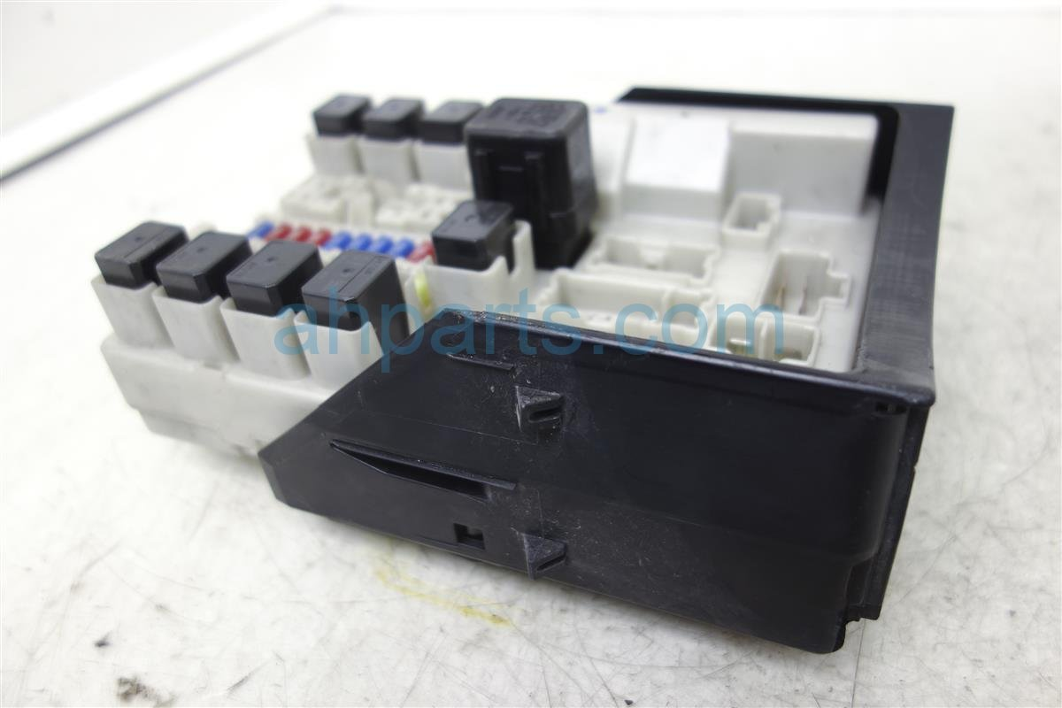 2006 Infiniti M45 Fuse Box Engine 284b7 Cl00a M35 Location Replacement