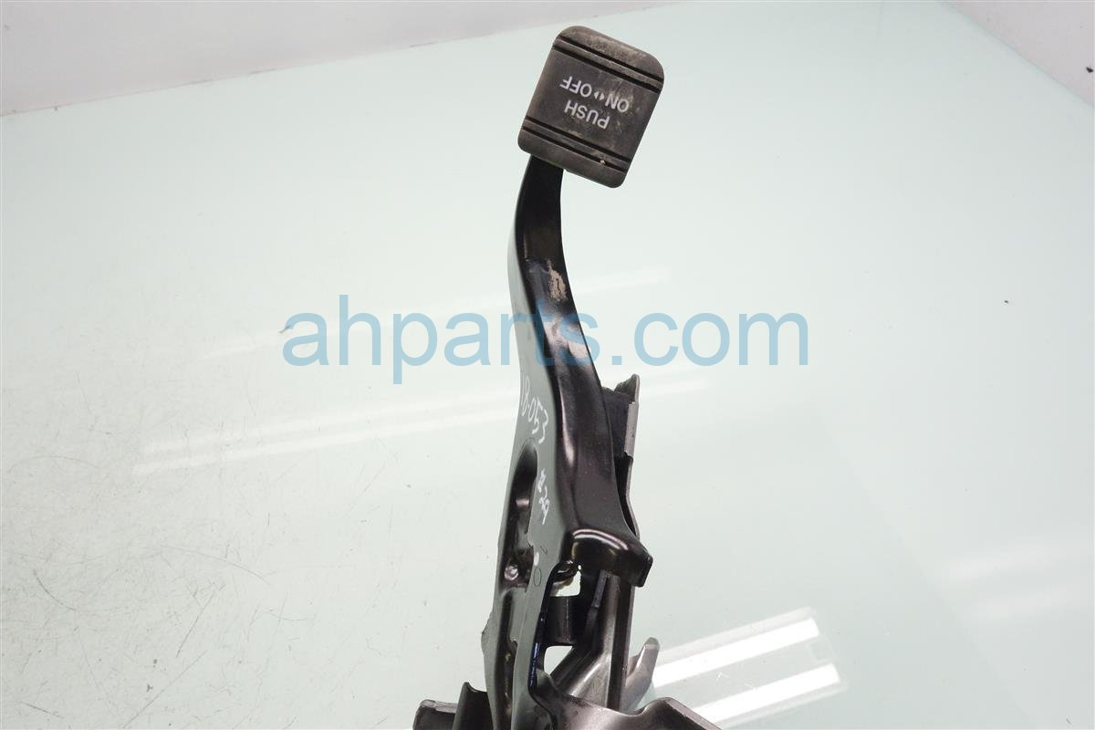 2014 Toyota Highlander Parking / Emergency Brake Pedal Assy 46200 0E050 Replacement