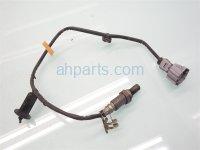 2014 Toyota Highlander INTERMEDIATE PIPE OXYGEN SENSOR 89465 0E130 894650E130 Replacement