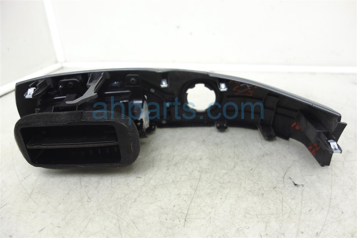 2016 Nissan Titan Xd Driver Center Dash Vent And Trim Panel 682A3 EZ40A Replacement