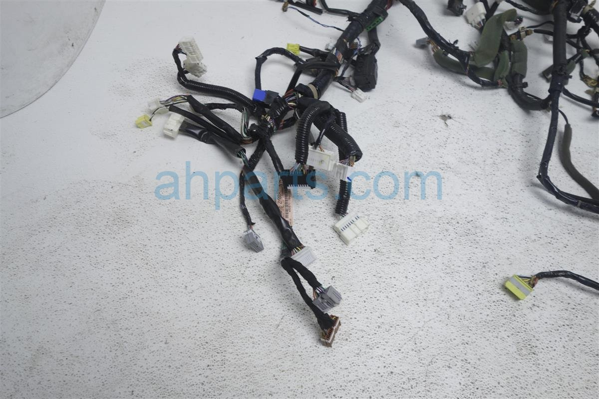 2006 Nissan Quest Main Dash Wire Harness S At 24010 Zm00a Replacement