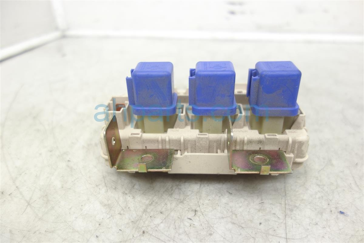 ... 2003 Nissan Frontier Cabin Fuse Box, 3.3l, Crew Cab 24350 7Z400  Replacement ...