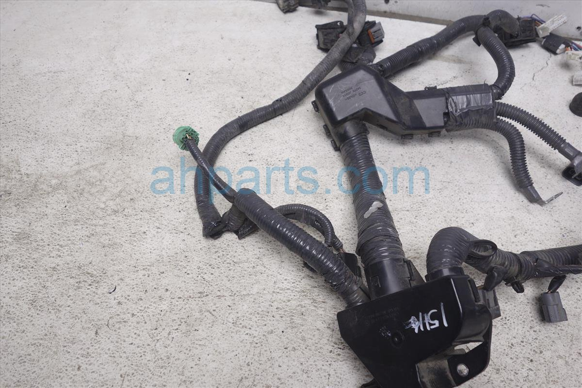 Nissan Wiring Harness Clamps Antenna Bracket 2011 Rogue Engine Wire 25l Htchbk 4wd 24011 1vk1a On