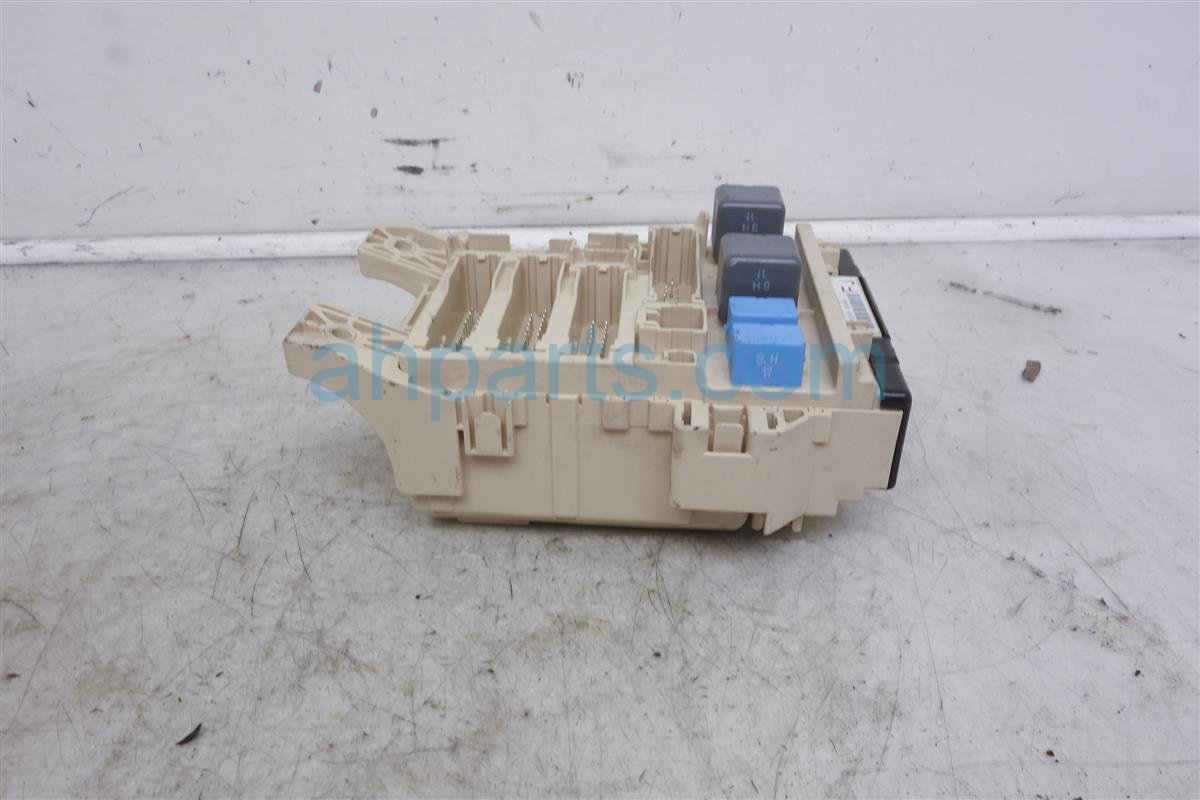 2007 Toyota Avalon Cabin Junction Fuse Box 82730