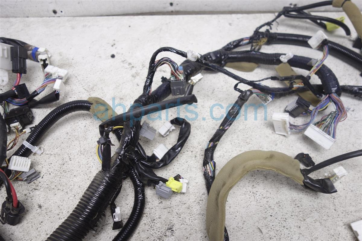 2010 Nissan Rogue Main Body Wire Harness W.5l 4wd A/t 24010 CZ34A Replacement