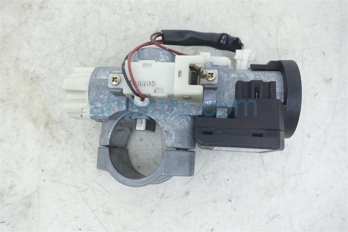 2002 Nissan Maxima Column Ignition Switch D8700 3Y225 Replacement