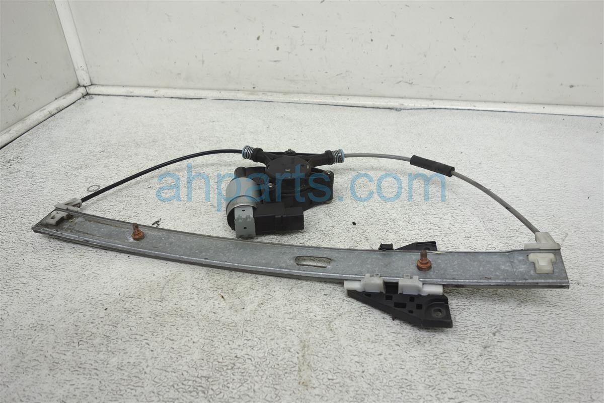 2004 Mazda Mazda 6 Front Passenger Window Regulator & Motor GJ6A 58 58XC Replacement