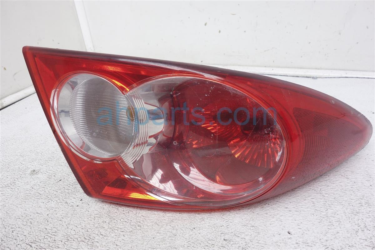 2004 Mazda Mazda 6 Rear Driver Tail Lamp Light On Body Scratch GK2A 51 160C Replacement