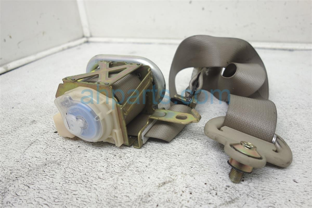 2004 Mazda Mazda 6 Front Passenger Seat Belt Tan Needs Clean GK2A 57 L30D 85 Replacement