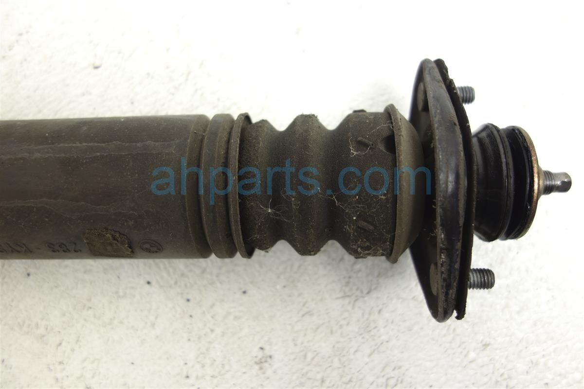 2002 BMW 325i Spring / Absorber Rear Passenger Strut Shock Only 33 52 1 095 913 Replacement