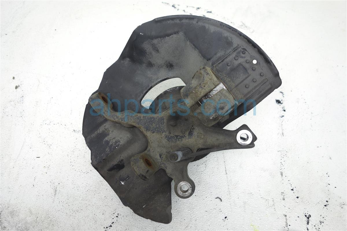 2002 BMW 325i Hub Front Passenger Spindle Knuckle   31 21 6 756 542 Replacement