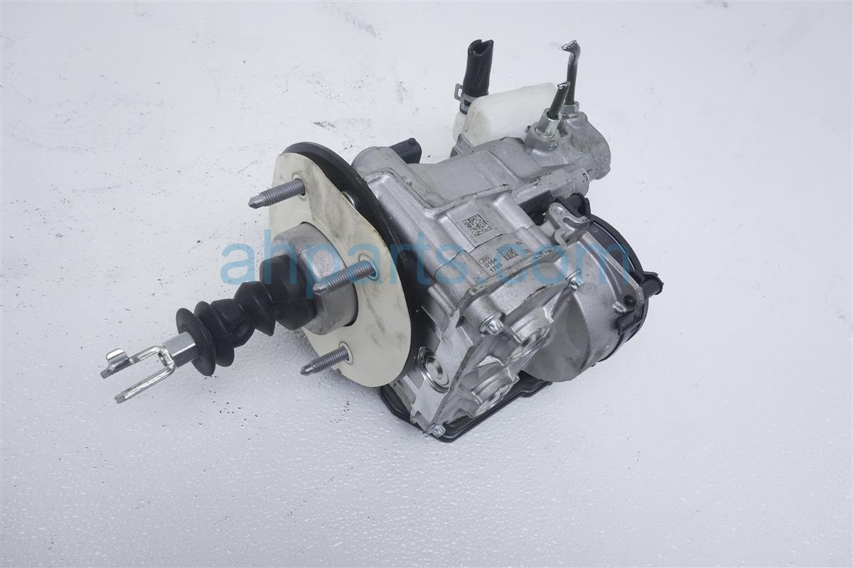 2017 Honda CR V Power Brake Booster + Master Clyinder 46000 TLC A05 Replacement
