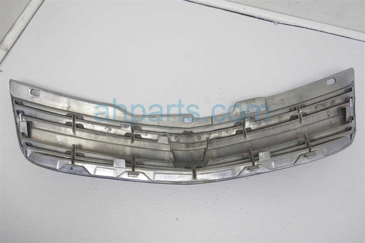 2004 Chevy Impala Grille  silver&black W/o Emblem 10289769 Replacement